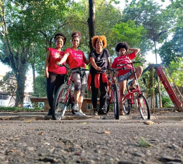 preta_vem_de_bike